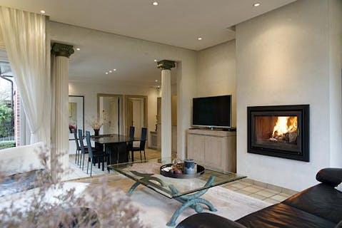 Alleenstaand huis met 5 slaapkamers gelegen te Sint-Eloois-Winkel op 1677 m²