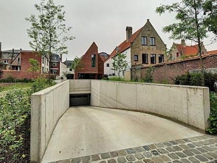 Staanplaats te huur te centrum Brugge!