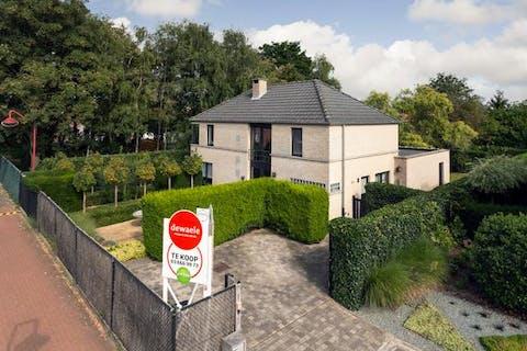 Prachtig huis te koop in Stabroek met o.a. 4 slpk