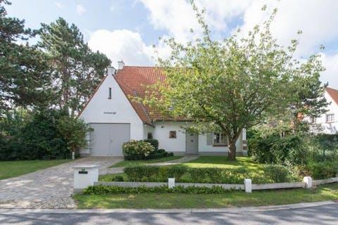 Prachtige villa gelegen in de Simli-wijk te Nieuwpoort Bad.
