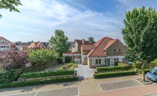 Gerenoveerde woning met 3 slaapkamers en gezellige tuin in centrum Koksijde-Bad