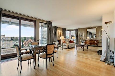 Penthouse met 4 slaapkamers omgeven door terras!