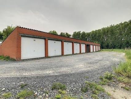 Garagecomplex te koop in Roeselare