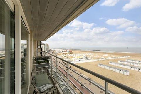 Ruim appartement op de zeedijk van Knokke-Heist