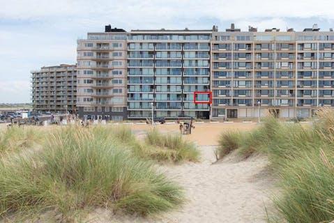 Appartement met frontaal zeezicht te Nieuwpoort