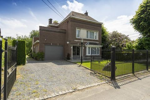 Klassevolle woning te koop op 1288 m² te Lierde - Deftinge