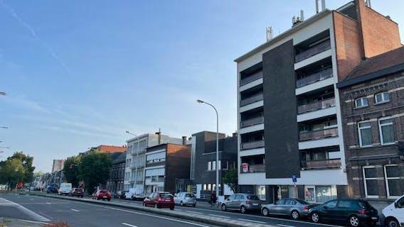 Appartement op de eerste verdieping met drie slaapkamers en twee terrassen