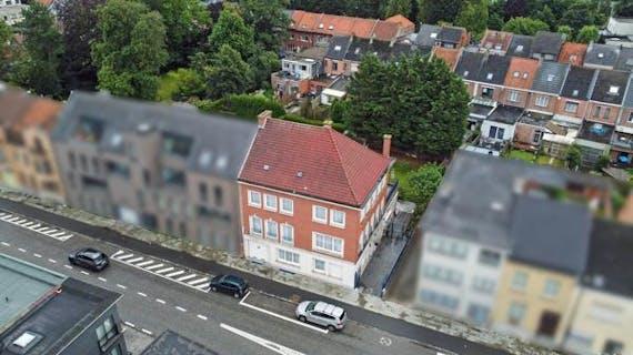Karaktervolle woning met tuin gelegen in Mechelen