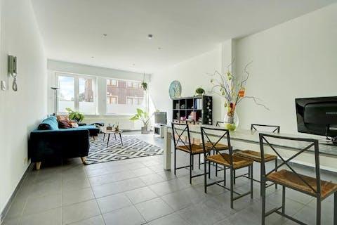 Huis (266m²) met 4 slaapkamers en 2 badkamer centrum Wilrijk