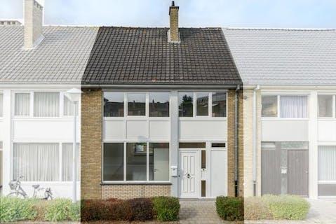 Gerenoveerde woning met 3 slaapkamers te Veurne.
