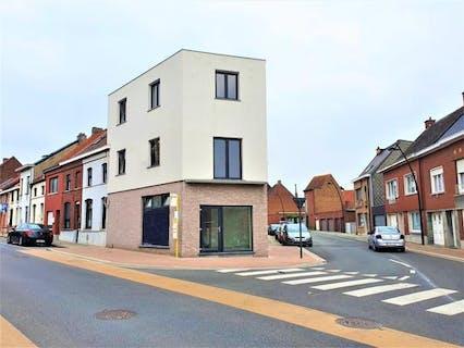 Huis met handelsruimte (+/- 180 m²) in centrum Ronse