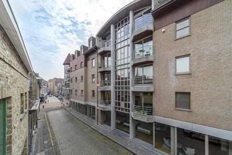 Verzorgd appartement met 2 slaapkamers te koop in Veurne