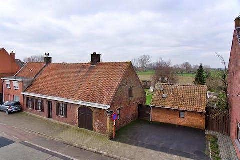 Landelijk gelegen huis op 899m² in Hooglede!