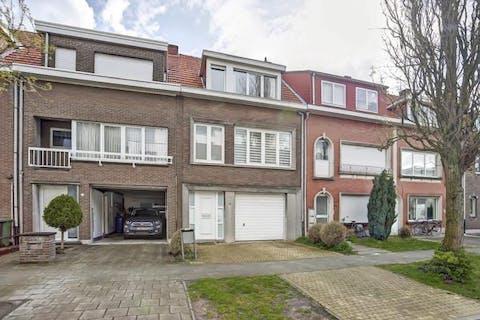 Prachtige woning in het centrum van Brasschaat te koop!