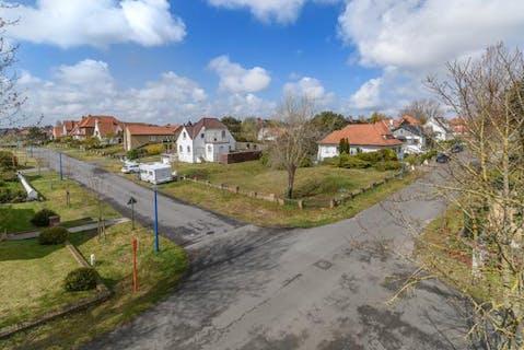 Hoekperceel bouwgrond te koop voor open bebouwing vlakbij de duinen te Koksijde