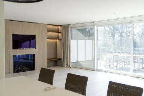Luxueus appartement met 4 slaapkamers en bureau!