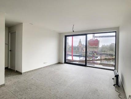 Instapklaar 1-slaapkamer appartement met zonnig terras in Waregem