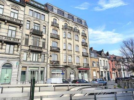 Grand appartement récemment rénové à louer avec 4 chambres à Bruxelles