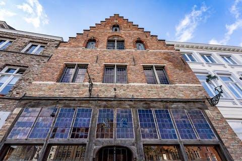 Huis met tuin en dubbele garage langs de Langerei te Brugge