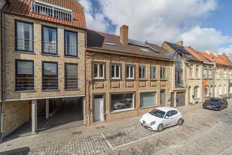 Instapklaar huis met 4 slaapkamers te koop in centrum Diksmuide