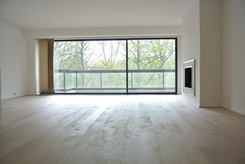 Cinquantenaire - Amazing 2 bedrooms with view over the park + Terrace + Garage!