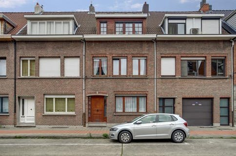 Ruim huis op toplocatie in Merksem!
