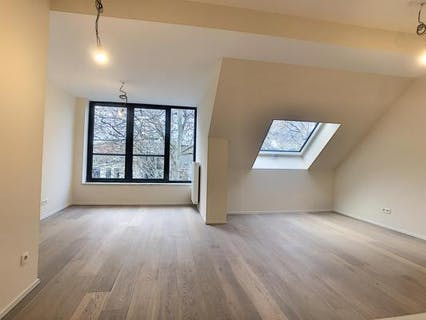 VOLTAIRE - 1 bedroom apartment with terrace