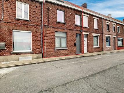 Gerenoveerd huis met 3 slaapkamers te koop in centrum Avelgem