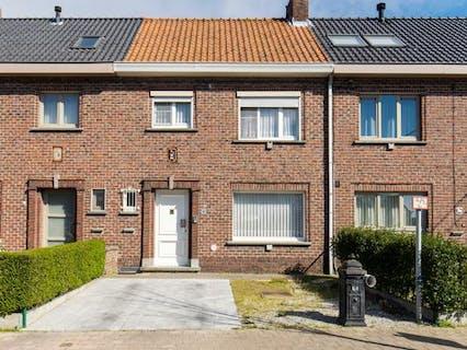 Gerenoveerd huis te koop met 3 slaapkamers