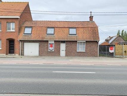 Huis te koop in Woesten  op 422 m²