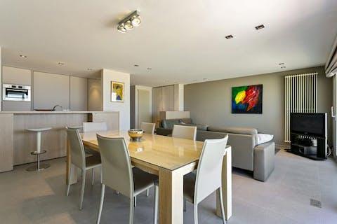 Magnifiek en ruim appartement met zeezicht en zonneterras
