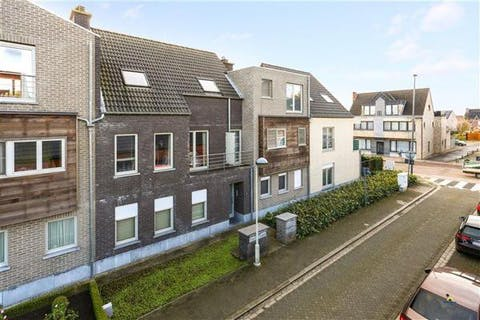 Penthouse te koop in centrum Sint-Lenaarts nabij station en E19