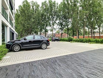 Parkeerplaats nabij centrum Ingelmunster.