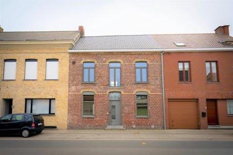 Huis te koop in Oostvleteren met 4 slaapkamers en tuin
