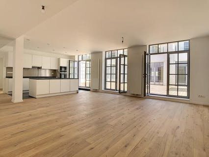 Tenbosch, 3 bedrooms apartment of 160m² + terrace (46m²) + parking.