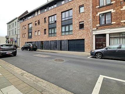 Autostandplaats in centrum Roeselare.