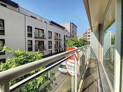 Lichtrijk 1-slaapkamer appartement nabij de leieboorden te Kortrijk