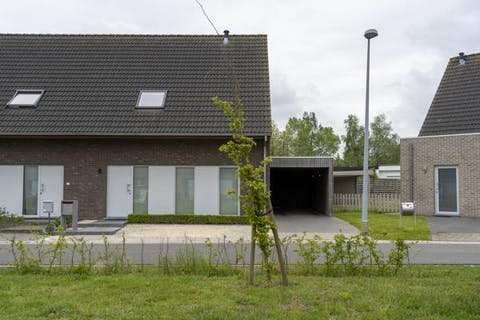 Passiefhuis (2012) met 3 kamers en mooie tuin te Waregem