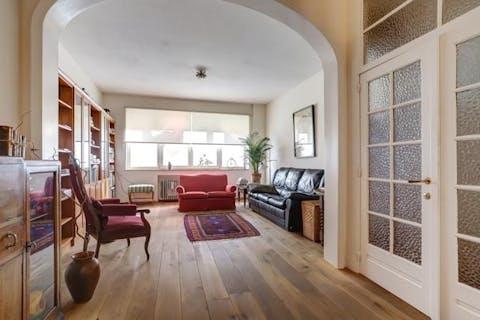 Gelijkvloers appartement te koop in Antwerpen centrum.