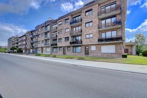 Instapklaar en zeer energievriendelijk (83kWh/m²) appartement met 3 slaapkamers, terras, kelder en ondergrondse garagebox te koop in Wilrijk