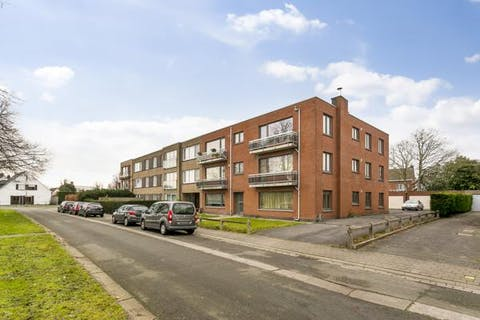Appartement (2de verdieping) met 2 slaapkamers en garagebox te Sint-Kruis (Brugge)