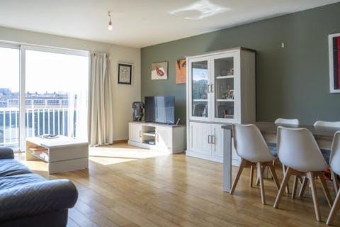 Instapklaar appartement met 2 slaapkamers te koop in Kortrijk