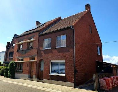 Huis met 4 slaapkamers en zwembad te koop in Rijkevorsel