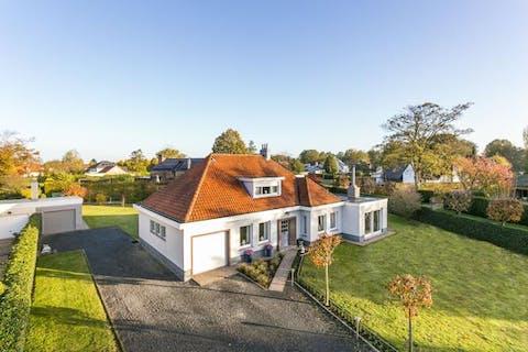 Villa op ruim perceel in Heusden