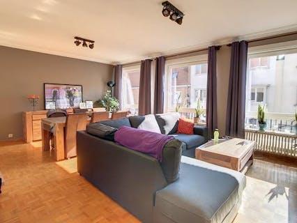 Lichtrijk appartement te koop met 2 ruime slaapkamers, terras (10m²) in centrum Brugge