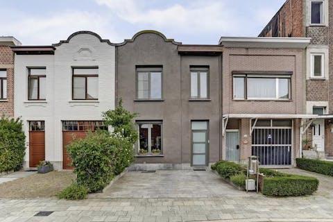 Karaktervol huis met 3 slpkrs in Deurne op toplocatie !