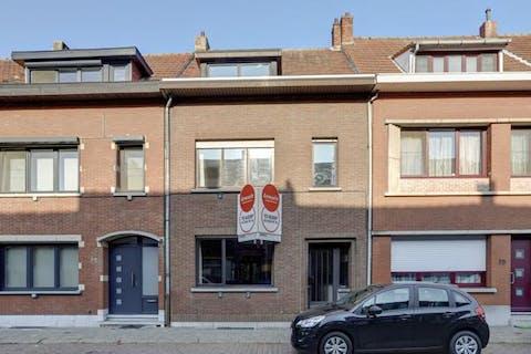 Huis te koop in Merksem - 3 slaapkamers en tuin
