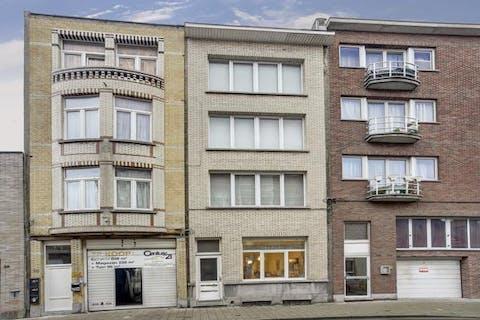 Gelijkvloers appartement te koop in Merksem met 1 slpkr
