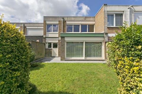 Te renoveren huis op rustige ligging te Knokke-Heist.