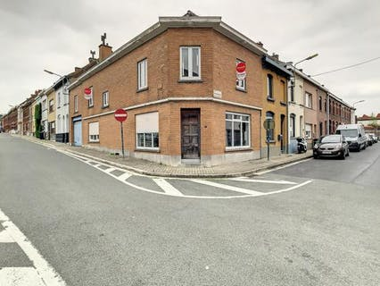 Te renoveren huis te koop in centrum Ronse